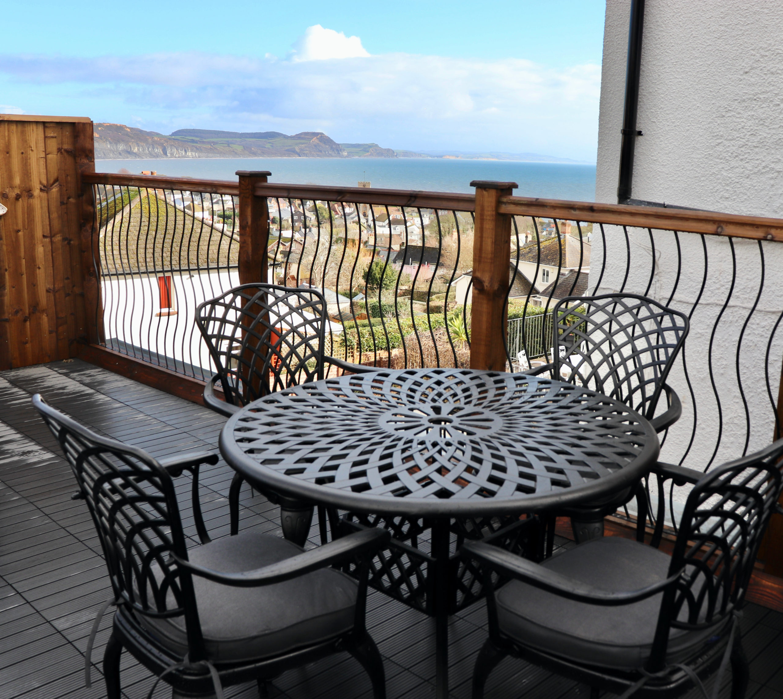 lyme regis holiday cottage with terrace